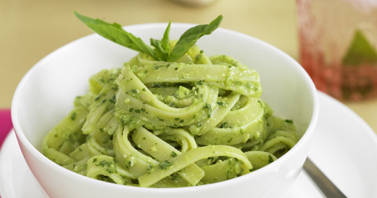 Pesto pasta with avocado recipe