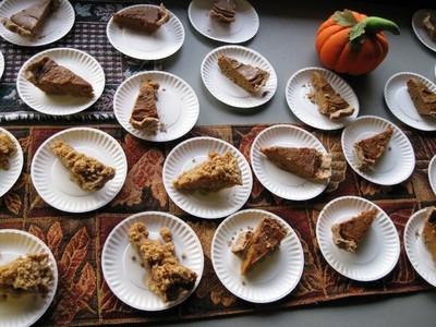 Thanksgiving_Potluck_pumpkin_pie.jpg